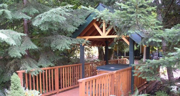 Welches Cabins Hot Tub